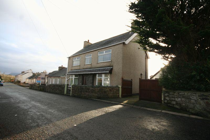 3 Bedrooms Semi Detached House for sale in Dwyran, Anglesey