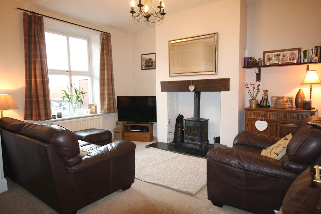 2 Bedrooms Terraced House for sale in Bury Lane, Withnell, Chorley