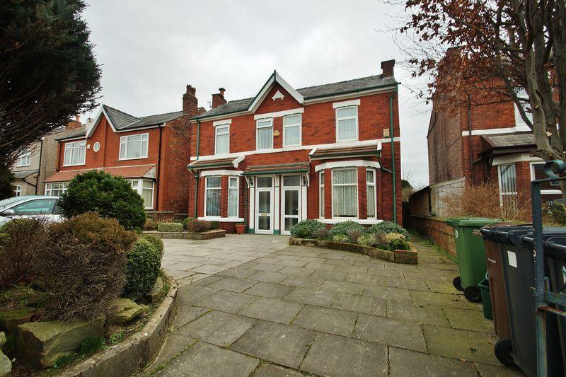 3 Bedrooms Semi Detached House for sale in Poplar Street, Southport
