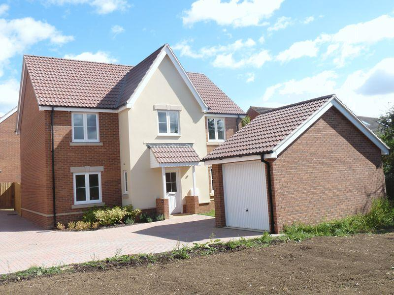 4 Bedrooms Detached House for rent in Leventon Place, Trowbridge