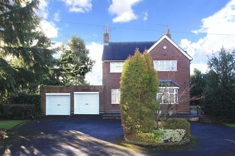 3 Bedrooms Detached House for sale in LOWER PENN, Springhill Lane