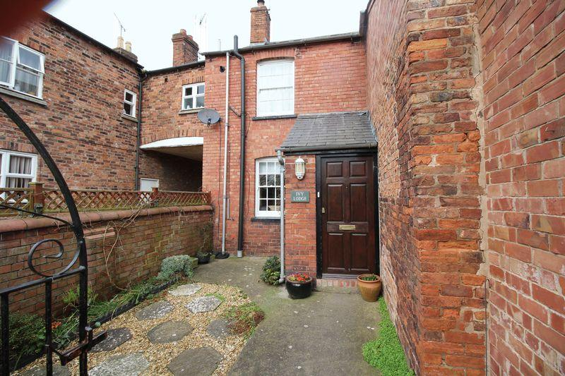 2 Bedrooms Semi Detached House for sale in Scotland Street, Ellesmere