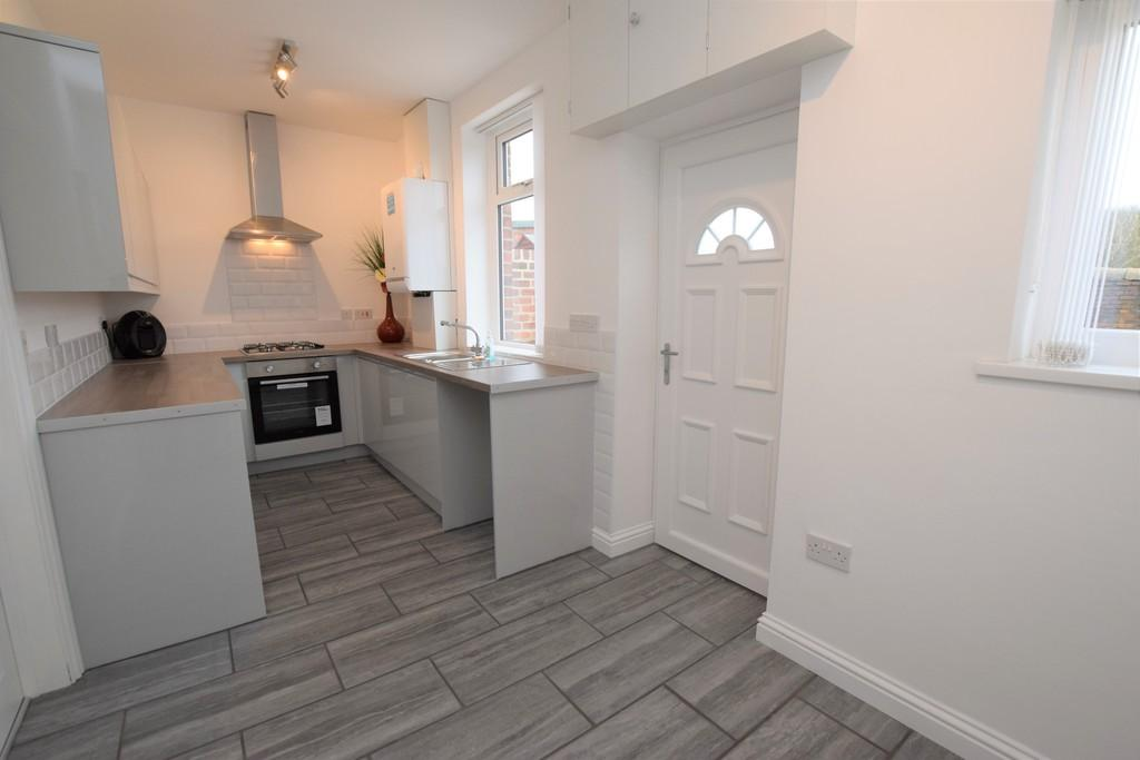 2 Bedrooms Terraced House for sale in Oswald Terrace, Old South Moor, Stanley