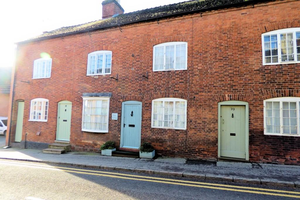 3 Bedrooms Terraced House for sale in Bridge Street, Uttoxeter