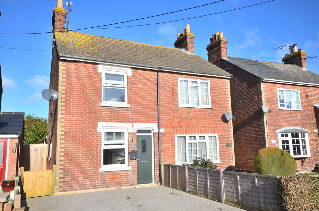 2 Bedrooms Semi Detached House for sale in Chapel Road, West Bergholt, CO6 3HZ