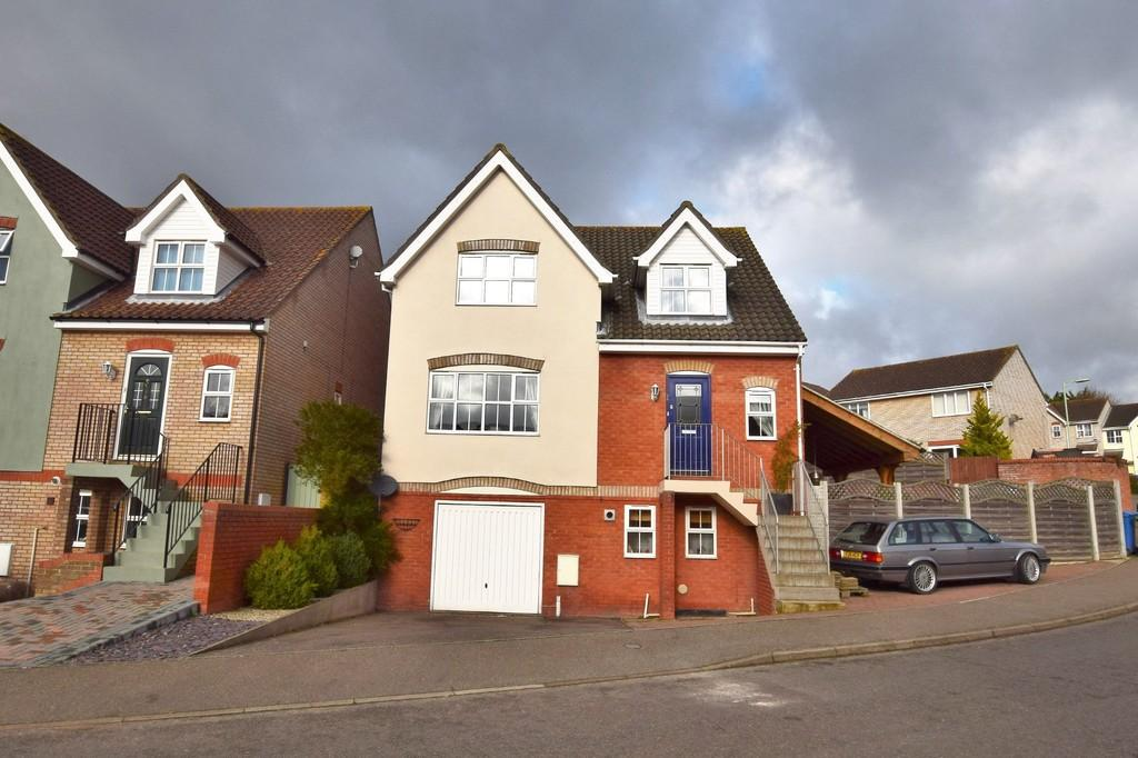 4 Bedrooms Detached House for sale in Richard Burn Way, Sudbury CO10 1SY