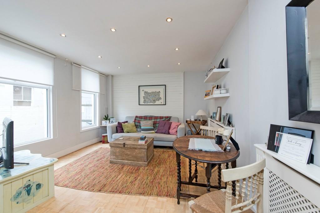 1 Bedroom Maisonette Flat for sale in Earlsfield Road, London