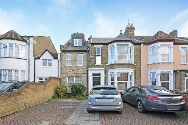 2 Bedrooms Flat for sale in Vicarage Road, Leyton