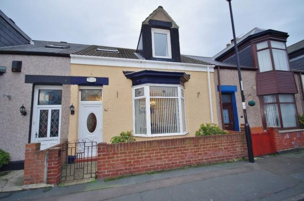 3 Bedrooms Cottage House for sale in Stansfield Street, Roker, SR6