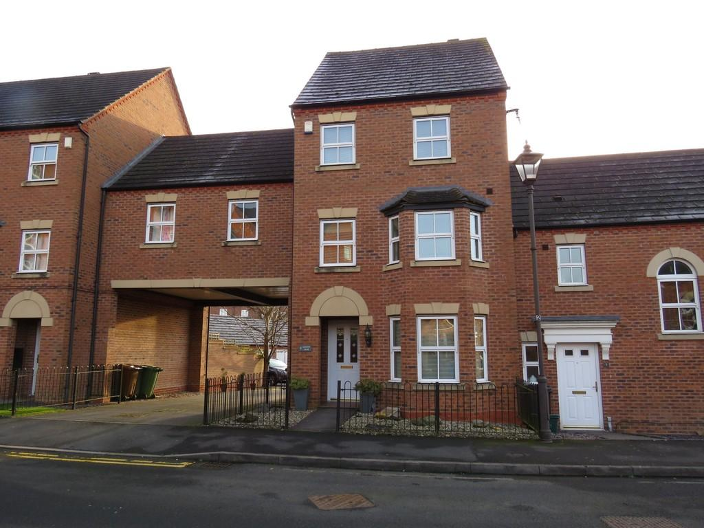 4 Bedrooms Town House for sale in Griffin Lane, Dickens Heath