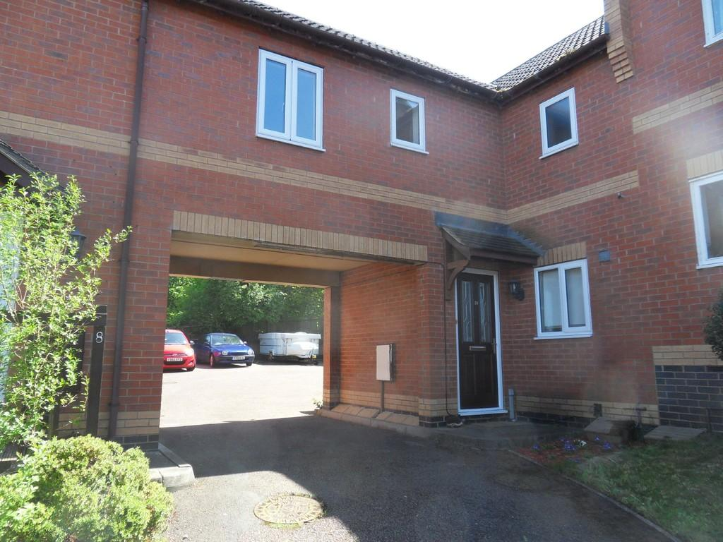 3 Bedrooms Town House for sale in Broughton Close, Loughborough