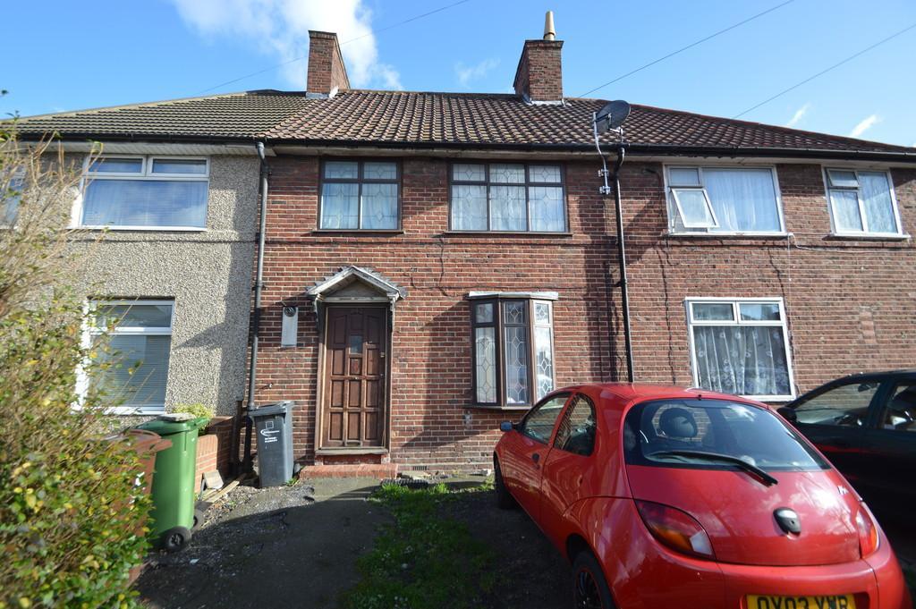 3 Bedrooms Terraced House for sale in Heathway, Dagenham