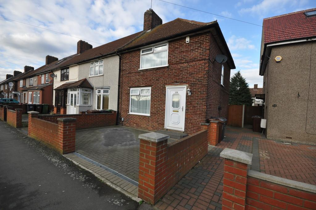 3 Bedrooms End Of Terrace House for sale in Goresbrook Road, Dagenham