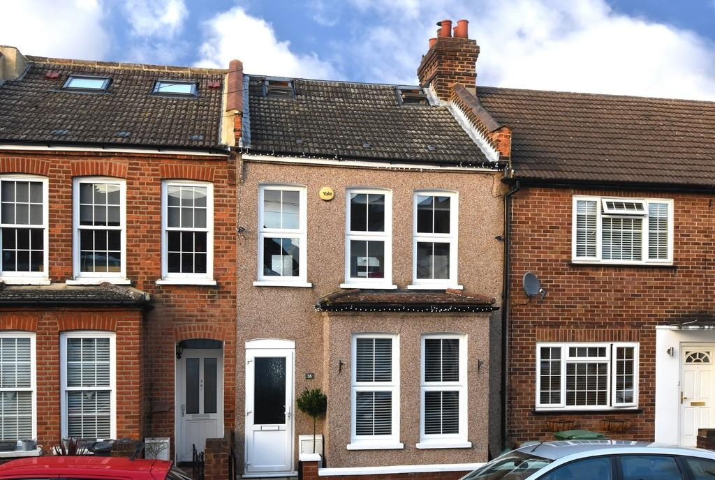 3 Bedrooms Terraced House for sale in Godwin Road , Bromley