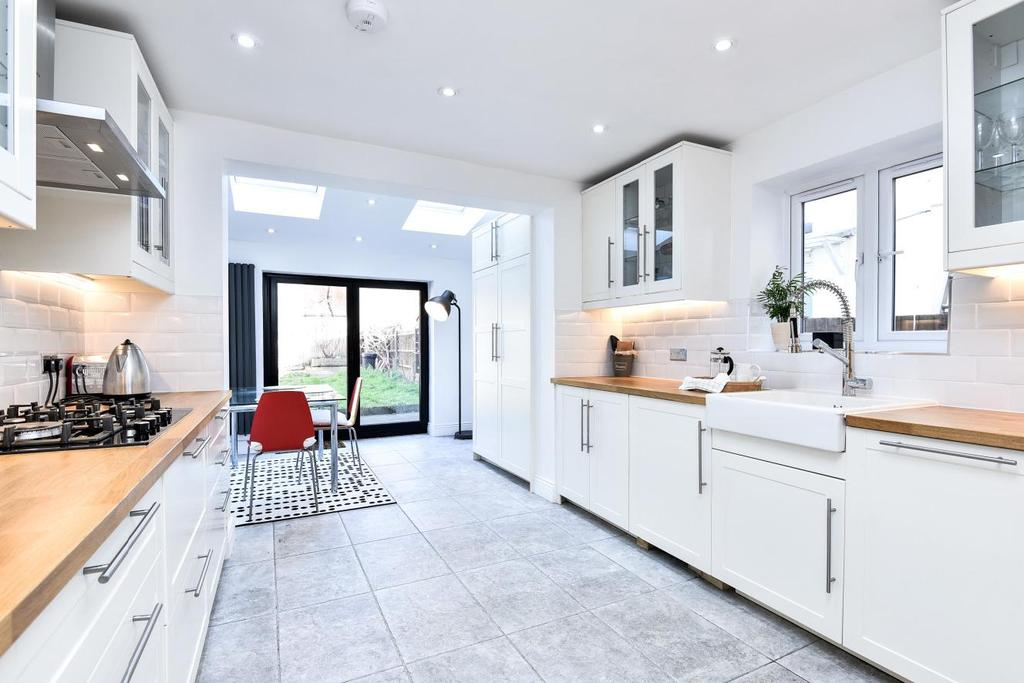 4 Bedrooms Terraced House for sale in Pembroke Road, Muswell Hill
