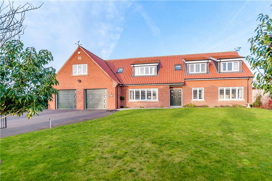 6 Bedrooms Detached House for sale in Browney Hill, Main Street, Sutton-Upon-Derwent, York, YO41