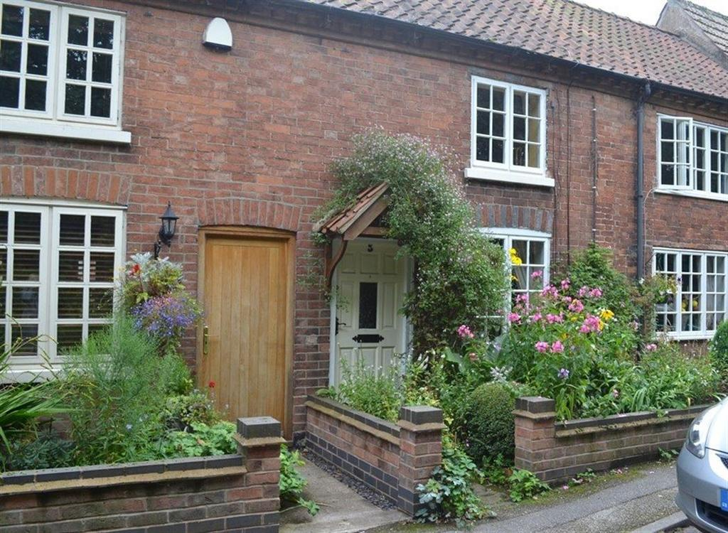2 Bedrooms Cottage House for rent in NEW ROAD, OXTON