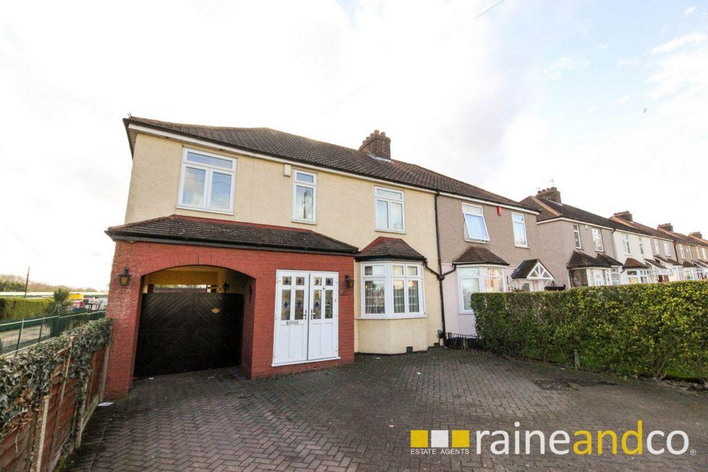 4 Bedrooms House for sale in Goffs Lane, Goffs Oak, EN7
