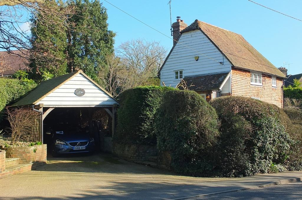 3 Bedrooms Detached House for sale in Cuckfield Road, Ansty, Cuckfield, RH17