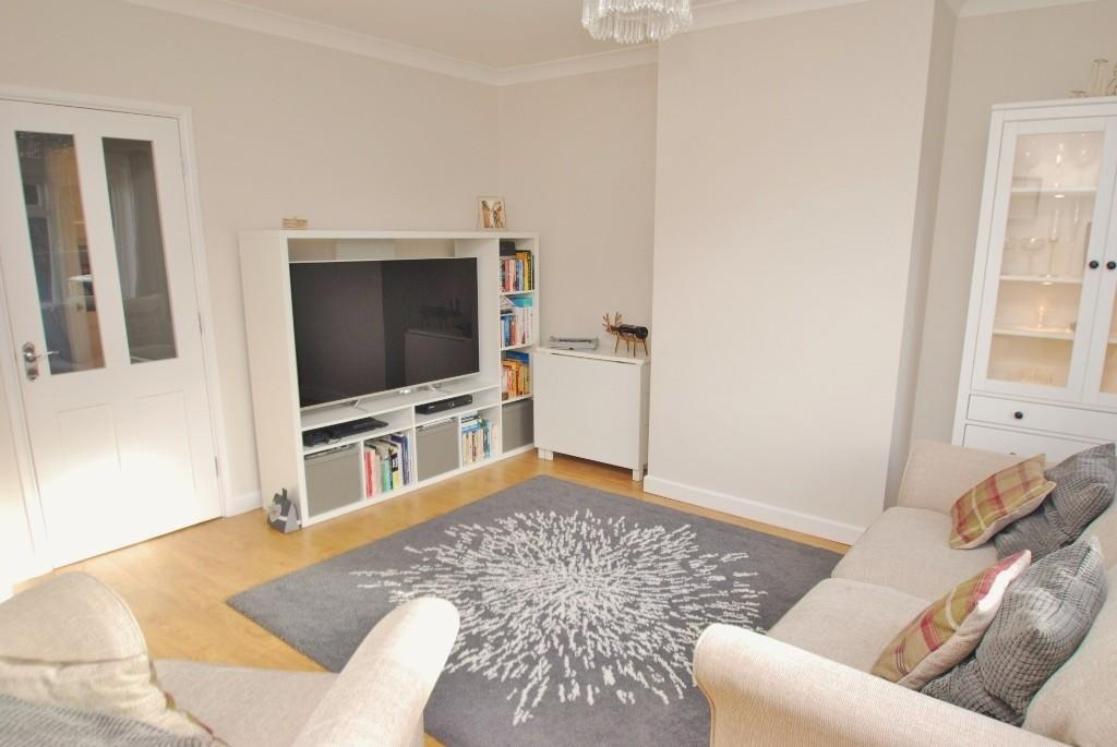 2 Bedrooms Terraced House for sale in Drakes Road, Amersham, HP7