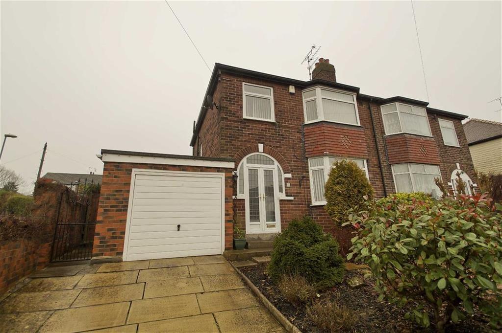 3 Bedrooms Semi Detached House for sale in Graveleythorpe Road, Leeds