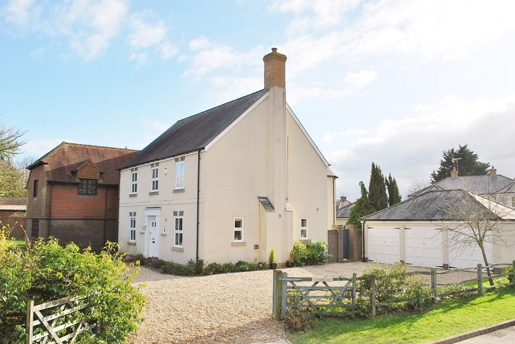 5 Bedrooms Detached House for sale in The Green, Dial Post, RH13