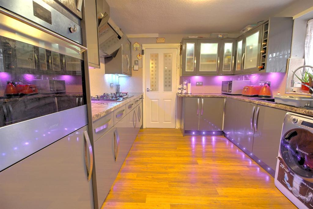 Kitchen,.jpg