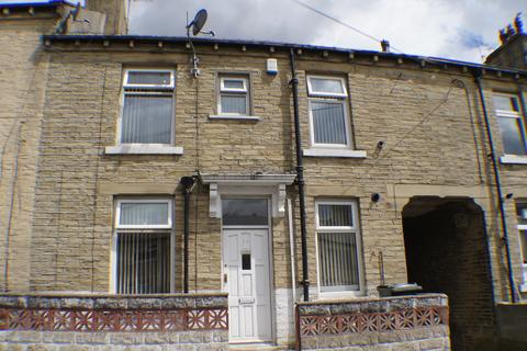 2 bedroom terraced house to rent - St Leonard Road, Bradford BD8