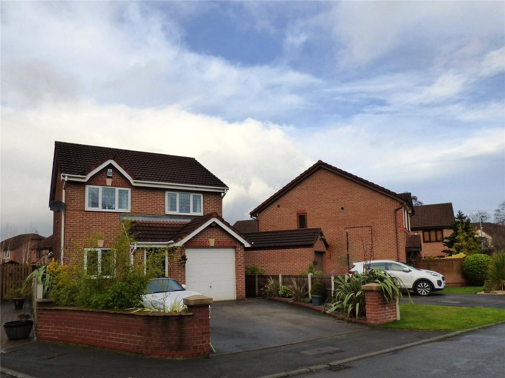 3 Bedrooms Detached House for sale in Thornleigh Drive, Liversedge, WF15