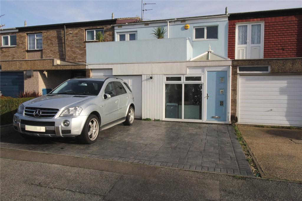 3 Bedrooms Terraced House for sale in Lynstede, Basildon, Essex, SS14