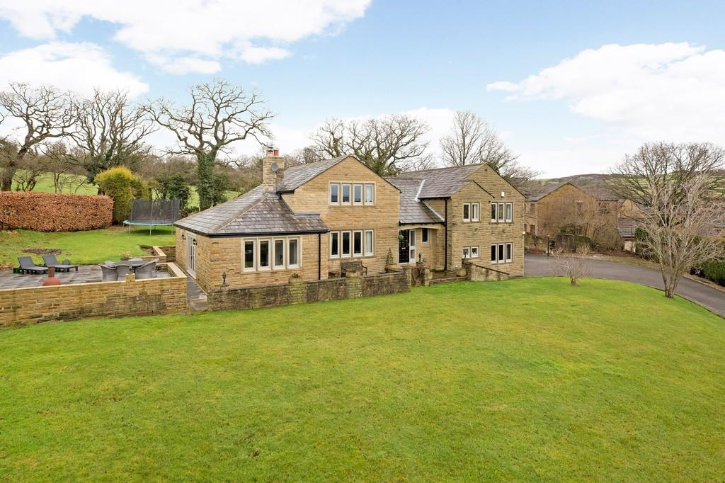 5 Bedrooms Detached House for sale in Bradley Rise, Silsden