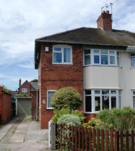 3 Bedrooms Semi Detached House for rent in Fulwood Gardens Little Sutton CH66 3RY