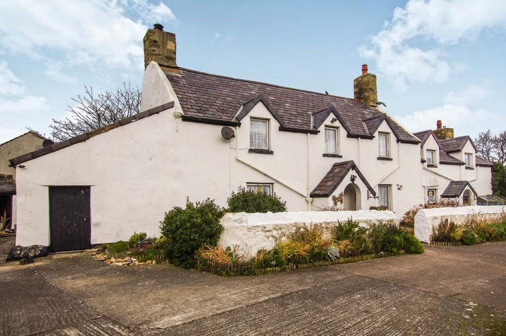 4 Bedrooms Farm House Character Property for sale in Cwm Howard Lane, Llandudno