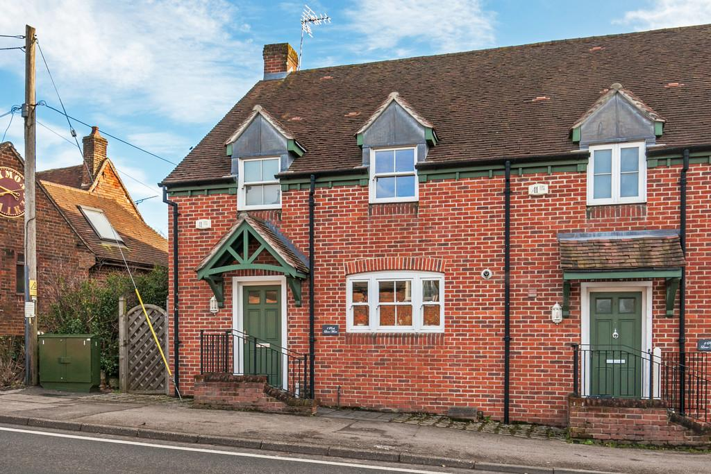 3 Bedrooms End Of Terrace House for sale in High Street, Twyford, Winchester, SO21