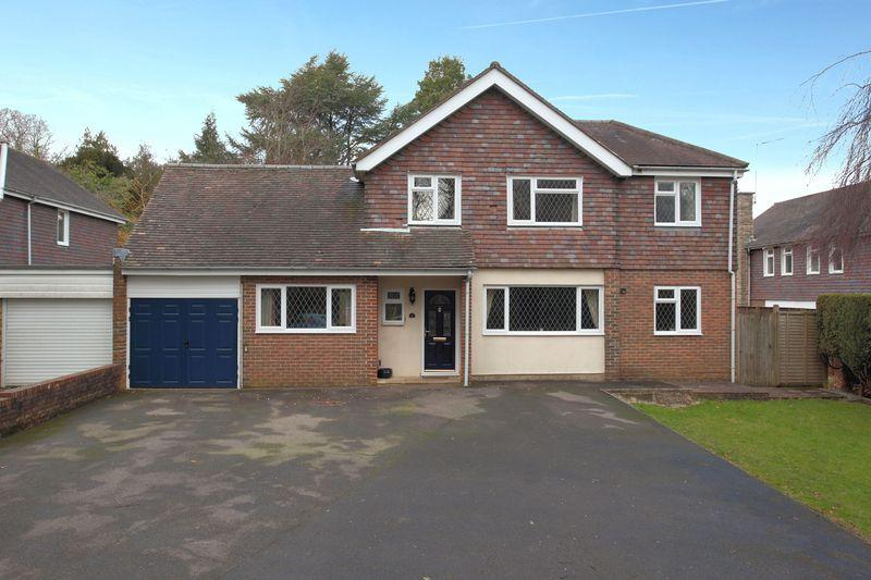 4 Bedrooms Detached House for sale in Church Road, Crowborough, East Sussex