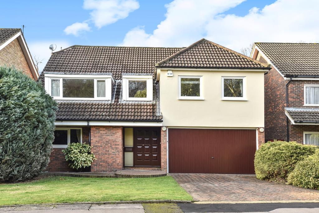 4 Bedrooms Detached House for sale in Acorn Close Chislehurst BR7