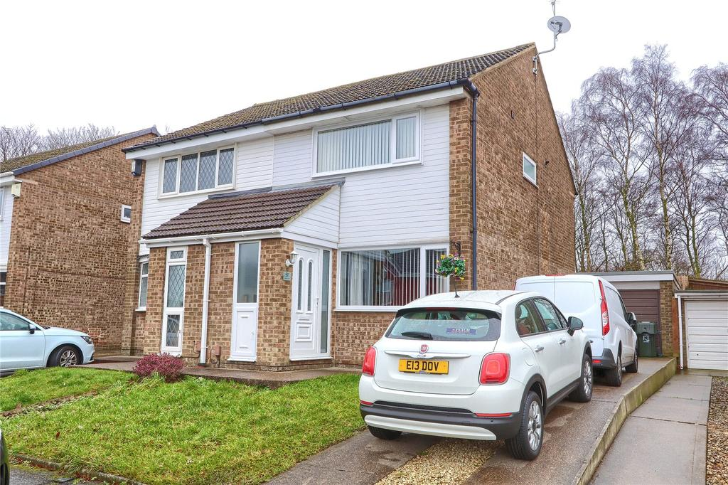 2 Bedrooms Semi Detached House for sale in Campion Grove, Marton Manor