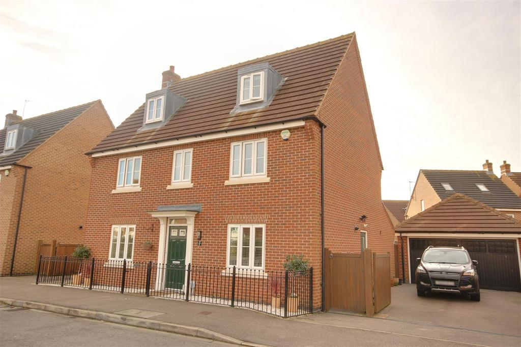 5 Bedrooms Detached House for sale in Ruskin Way, Brough