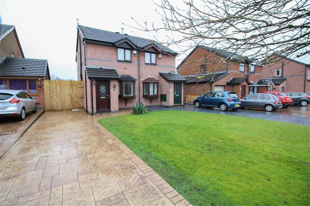 2 Bedrooms Semi Detached House for sale in Selbourne Close, Reddish, Stockport