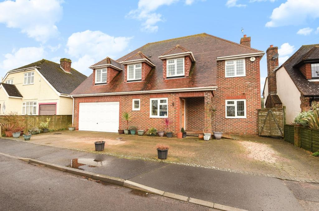 5 Bedrooms Detached House for sale in Clovelly Avenue, Felpham, Bognor Regis, PO22
