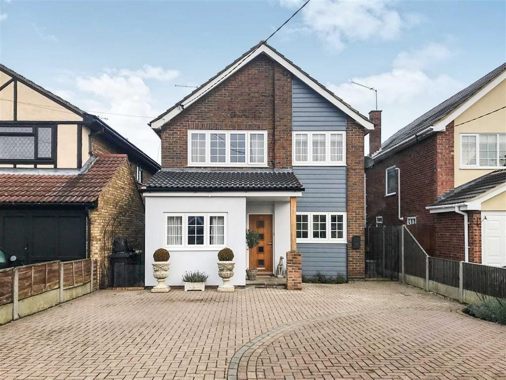 4 Bedrooms Detached House for sale in Mayfield Avenue, Hullbridge, Essex