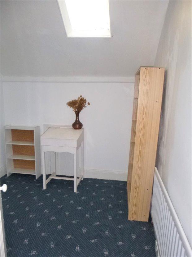 Bedroom 7 / study