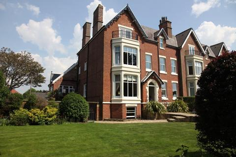 6 bedroom semi-detached house for sale - Lowther Terrace, Lytham, Lancashire