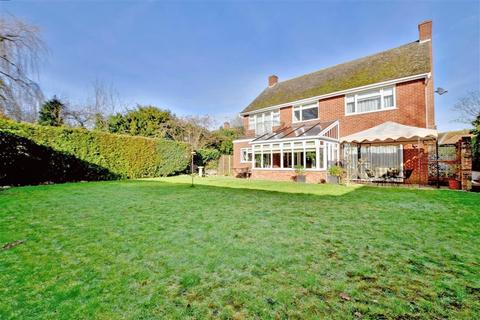 Oak lane headcorn ashford kent 5 bed detached house for for The headcorn minimalist house kent