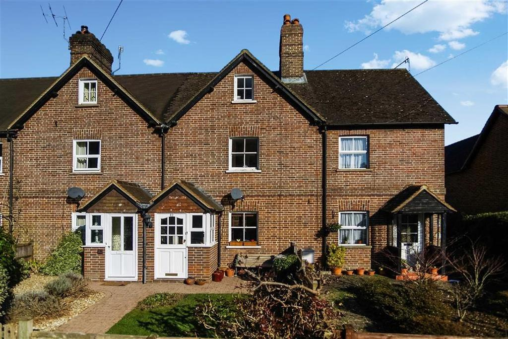 2 Bedrooms Terraced House for sale in Camelsdale Road, Haslemere, Surrey, GU27