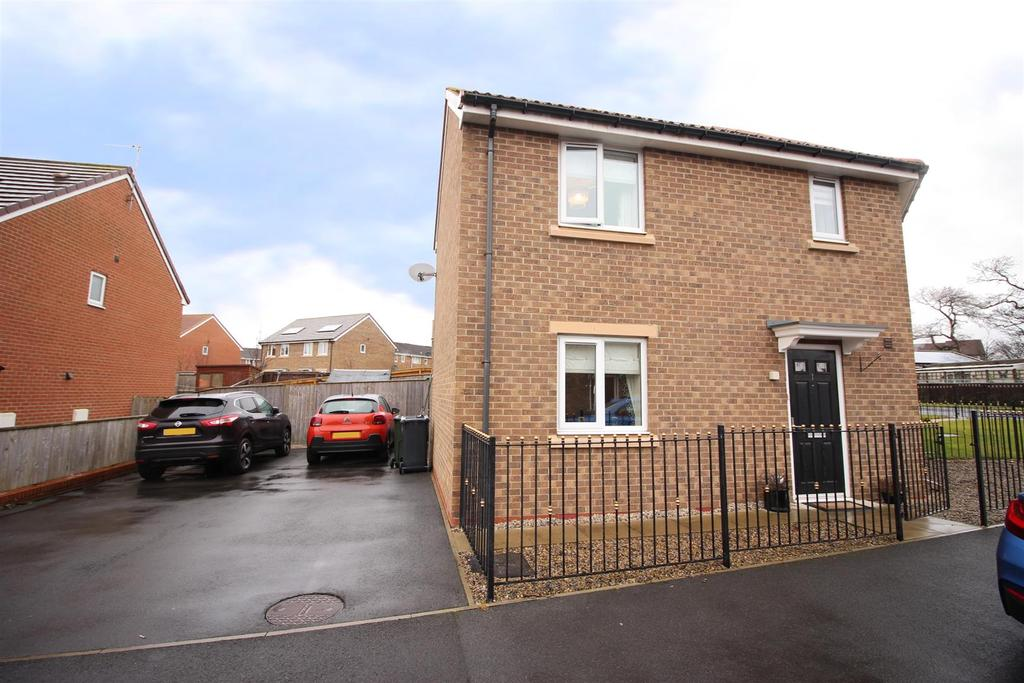 3 Bedrooms Semi Detached House for sale in Bristol Drive, Wallsend