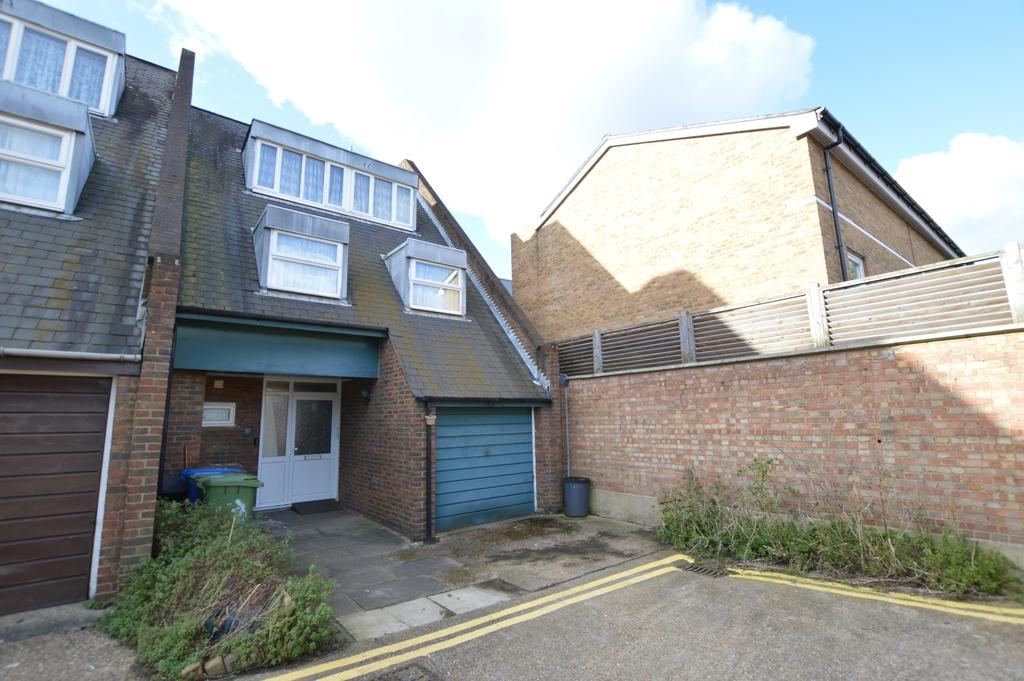 4 Bedrooms End Of Terrace House for sale in Barton Close Peckham SE15