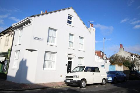 3 bedroom semi-detached house for sale - Albion Hill, Brighton BN2