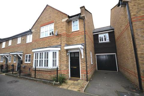 4 bedroom link detached house to rent - Nottage Crescent, Braintree, Essex, CM7
