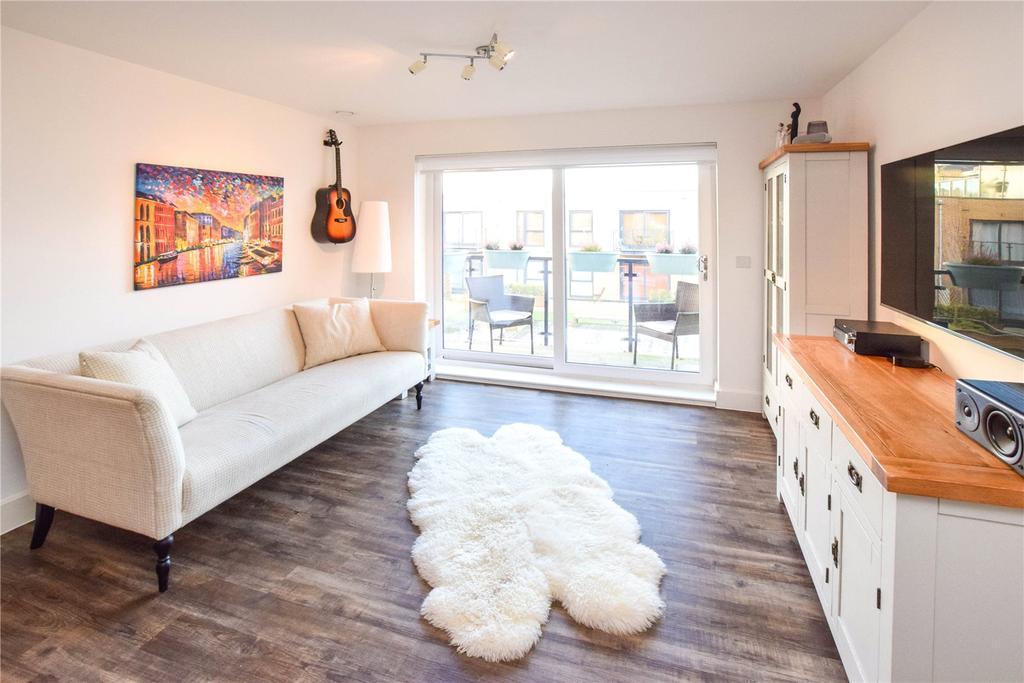 2 Bedrooms Apartment Flat for sale in Harrison House, Nash Mills Wharf, Hemel Hempstead, Hertfordshire, HP3